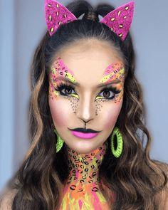 Make Carnaval: Gata Neon Makeup Trends, Makeup Inspo, Makeup Inspiration, Makeup Ideas, Halloween Make Up, Halloween Face Makeup, Make Carnaval, Carnival Inspiration, Neon Jungle