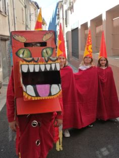 On prépare le Carnaval chez Art et Vie Rdv le 1 avril à CARPENTRAS