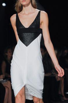 Narciso Rodriguez at New York Fashion Week Spring 2013 - Details Runway Photos Fashion Images, I Love Fashion, Fashion Details, New York Fashion, Passion For Fashion, Runway Fashion, Fashion Outfits, Fashion Design, Fashion Weeks
