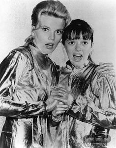 Marta Kristen and Angela Cartwright Marta Kristen, Science Fiction, Danger Will Robinson, Space Tv Shows, Por Tras Das Cameras, 2001 A Space Odyssey, Tv Show Casting, Sci Fi Tv, Episode Guide