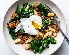 Got a Can of White Beans? You're Halfway to Dinner Tonight How to Make an Easy Sausage and White Bean Skillet – Bon Appétit Dinners To Make, Fast Dinners, Bratwurst, Bon Appetit, Beans And Sausage, Sausage Meals, Chicken Sausage Recipes, Veggie Sausage, Hamburger Recipes