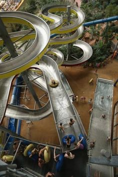Dream Jobs: Man gets job testing water slides at water parks around the world - News - Bubblews Water Park Rides, Water Parks, Cool Water Slides, Amusement Park Rides, Interior Photo, Island Resort, Heart For Kids, Cool Pools, Dream Job