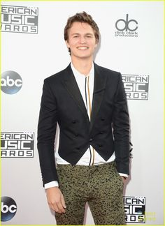 Ansel Elgort makes his arrival at the 2014 American Music Awards