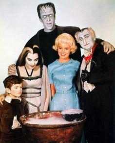 Los Monstruos  ¿Cuántos monstruos hay en esta familia? Descríbelos