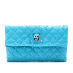 Marc Jacobs Large Eugenie Leather Clutch (5.870 ARS) ❤ liked on Polyvore featuring bags, handbags, clutches, purses, accessories, bolsas, turquoise, quilted handbags, leather hand bags and quilted purse