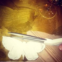 "116 curtidas, 8 comentários - Viktoria Lutterloh Aksnes (@viktoriaaksnes) no Instagram: ""My job is actually like santas workshop at the moment I imagine. #exceptthewine #nicelife…"""