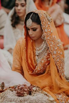 Wedding Day Makeup, Bridal Makeup Looks, Indian Bridal Makeup, Indian Wedding Bride, Bridal Lehenga Collection, Bride Pictures, Punjabi Bride, Designer Bridal Lehenga, Indian Bridal Hairstyles