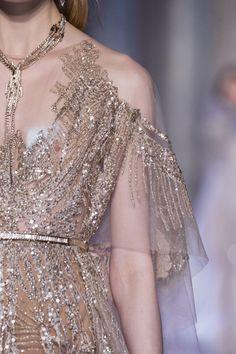 Défilé Elie Saab Printemps-été 2018 Haute couture - Madame Figaro / sheer and sequined embellishment detail.
