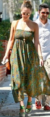 Dress/Skirt – show me your MUMU. I'm really not down with a strapless bra, but for peacock feathers, I'd make the sacrifice. Jessica Alba Style, Hollywood Fashion, Hollywood Style, Gypsy Dresses, Dress Skirt, Style Me, Strapless Dress, Bohemian, Actresses