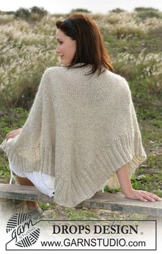 """DROPS Shawl knitted in moss stitches with """"Vivaldi"""" and """"Cotton Viscose"""". ~ DROPS Design"""