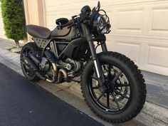 This amazing scrambler motorcycle projects is genuinely a stunning style conception. Ducati Scrambler Custom, Cafe Racer Motorcycle, Motorcycle Garage, Motorcycle Design, Custom Motorcycles, Motorcycle Art, Tracker Motorcycle, Moto Bike, Moto Ducati