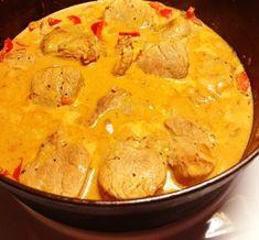 Krämig fläskfilégryta med sting och med smak av kokos – Niiinis Kitchenlife Lchf, Thai Red Curry, Slow Cooker, Low Carb, Ethnic Recipes, Food, Image, Gray, Healthy Slow Cooker