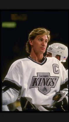 wayne gretzky with the Kings Nhl, La Kings Hockey, Hockey World, Wayne Gretzky, Carolina Hurricanes, Los Angeles Kings, Vancouver Canucks, Ice Hockey, Olympic Hockey