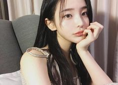 Find images and videos about girl, cute and beautiful on We Heart It - the app to get lost in what you love. Pretty Korean Girls, Pretty Asian, Son Hwamin, Ulzzang Girl Selca, Hwa Min, Uzzlang Girl, Grunge Girl, Best Face Products, Guys And Girls