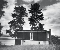"""Architect's Own House """"Brown bread"""" modernism Vernon Brown Remuera, Auckland 1939 New Zealand Architecture, New Zealand Houses, Cox And Cox, Inside Home, Timber House, International Style, Concrete Blocks, Postmodernism, Auckland"""