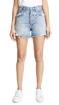 Damage Jeans For Girl, Short Outfits, Casual Outfits, Summer Outfits, Summer Clothes, Summer Ootd, Summer Dresses, Jeans For Short Women, Short Jeans