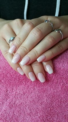 Natural fade using CND Shellac in 'Beau' and 'Studio White' #cnd #shellac #cndshellac #beau #studiowhite #naturalfade #frenchfade #naturalnails #nails #fadednails #twotoned #ombrenails