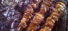 Kerrie-Sosaties ~ die beste sosaties wat jy ooit sal eet kg lamsboud & of steak & of hoenderborsies – met velletjie – in blokkies gesny (so 3 by 3 cm groot) varkspek – dun skyfies mm), in di… Braai Recipes, Cooking Recipes, Korslose Melktert, South African Recipes, Dutch Recipes, Chicken Marinades, Winter Food, Main Meals, Allrecipes