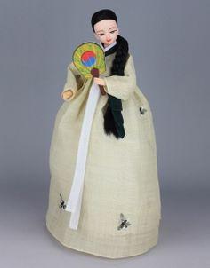 Korean Traditional Hanbok Doll Korean Traditional Dress, Traditional Dresses, Korean Women, Korean Girl, Chinese Dolls, Indian Dolls, Korean Hanbok, Asian Doll, Doll Costume