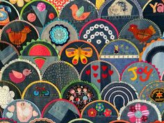 Blue Mountain Daisy: Happy As A Clam - Blogger's Quilt Festival = What a great idea for a Clamshell Quilt. In addition to using different types of fabric, here they have used various types of applique.