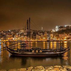 Madrugada Maravilhosa > Porto #porto #oporto #portugal  @lifestyle.pt #visitporto #lifestyle #visitportugal #zen #flat #inlove #with #passion #city #wow #nightlife #photo @natgeotravel #wine #vinho #portwine #douro #river #amazing #hot
