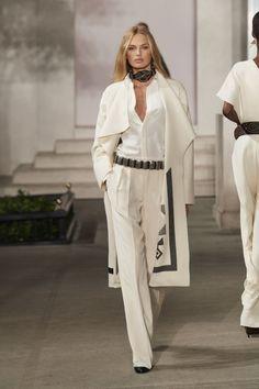 New york fashion week otoño-invierno ralph lauren Fashion Mode, Fashion 2017, New York Fashion, Look Fashion, Runway Fashion, Fashion Outfits, Fashion Design, Fashion Trends, Fall Fashion