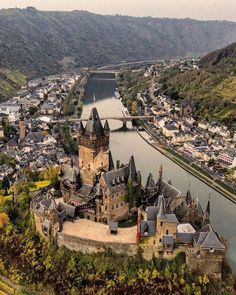 Looking down on Mossel River in the picturesque German town of Cochem, this castle, locally known as Reichsburg, is actually a Visit Germany, Germany Travel, Germany Europe, Cool Places To Visit, Places To Go, Holidays Germany, Europe Centrale, Voyage Europe, Beautiful Castles