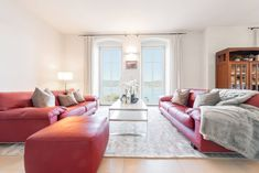 Wörtherseearchitektur-Villa mit überwältigendem Panorama-Seeblick und Seezugang Sofa, Couch, Modern, Villa, Lounge, Furniture, Home Decor, Chair, Objects