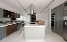 madeira-na-cozinha-Beatriz-Dutra