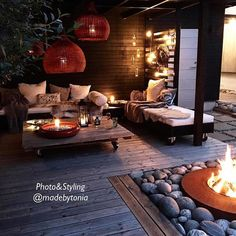 Longing for these long outdoors nights in our garden, gathering family and good friends for some good time around the bonfire. Counting the weeks! #garden #gardendesign #mygarden #outdoorlife #stemning_casachicks #mestlikte_casachicks #interior #interiordesign #homedecor #homestyling #myscandinavianhome #boho #eclectic #vintage #industrial #nordiskehjem #boligstyling #norwegianhome