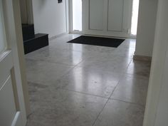Silvery-white-marmeren vloer Next At Home, Tile Floor, Flooring, Home Decor, Ideas, Tile Flooring, Hardwood Floor, Interior Design, Home Interiors