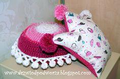 Drzwi od podwórza: Podusie dla księżniczki, poduszka korona, crochet pillow for Princess; crown pillow