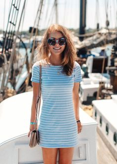 Love a good t-shirt dress. Nautical Fashion, Classic Outfits, Clothing Items, Everyday Fashion, Spring Summer Fashion, Dress To Impress, Preppy, What To Wear, Ideias Fashion