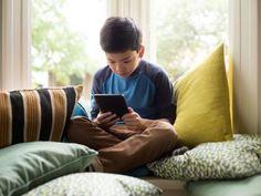 """Kindle 7ª Geração Wi-Fi 4GB Tela 6"""" - Amazon com as melhores condições você encontra no Magazine Worldlmarcks. Confira!"""