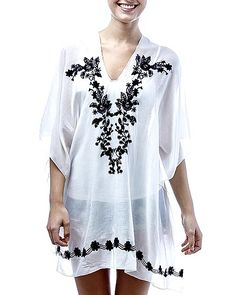Black / 30% Cotton, 70% Polyester / Flower Embroidery Poncho