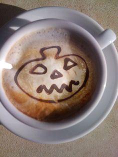 Anche il nostro cappuccino è pronto per Halloween...