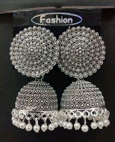 Indian Bridal Jewelry Sets, Indian Jewelry Earrings, Fancy Jewellery, Buy Earrings, Jewelry Design Earrings, Ear Jewelry, Girls Jewelry, Unique Earrings, Jhumki Earrings