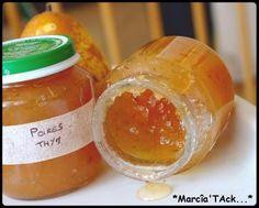 Une confiture de poire réalisée avec les fruits du marché, des poires bien mûres et juteuses