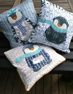 Winter Penguin cushions by Wenche Wolff Hatling (Norway) as seen at Moda Fabrics… Penguin Art, Penguin Love, Quilting Projects, Sewing Projects, Unusual Hobbies, Penguin Pictures, Winter Quilts, Baby Penguins, Dad To Be Shirts