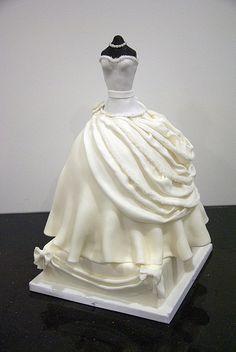 wedding dress cakee.