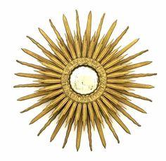 Lote 4727 - ESPELHO DE PAREDE CONVEXO - Espelho com moldura em madeira entalhada e dourada em forma de sol raiado com espelho convexo. Dim: 60 cm. Nota: sinais de uso. - Current price: €140