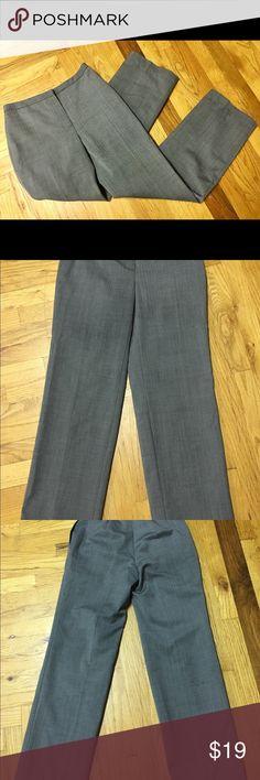 "Calvin Klein wide leg dress pants Medium gray Calvin Klein dress/work pants with a very tiny, subtle pattern. Wide legs. Pockets on the sides.  Approximate measurements lying flat: Waist- 14""  Length- 39"" EUC. Calvin Klein Pants Wide Leg"