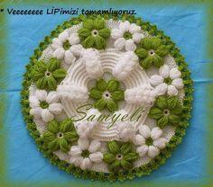 centrino con fiori uncinetto | Hobby lavori femminili - ricamo - uncinetto - maglia