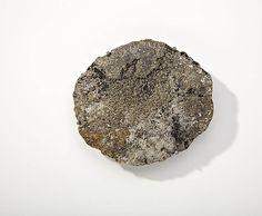 Per Suntum - Infant Rock Field Broche 2010. 20kt, 18kt og 14kt guld, sølv.
