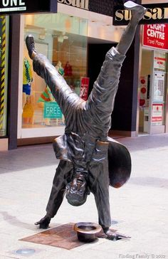 Perth W. Perth Australia, Western Australia, Bronze Sculpture, Sculpture Art, Quirky Art, Statues, Wonderful Picture, Sand Art, Public Art