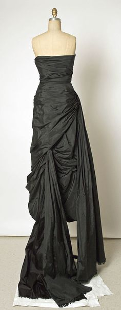 Evening Dress, Cristobal Balenciaga (Spanish, 1895–1972) for the House of Balenciaga (French, founded 1937): 1952, French, silk.