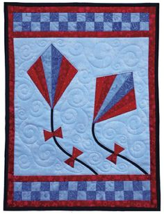 Piece a fan, then cut out a high-flying appliqué kite! Use either paper-piecing or template piecing for the fans. Do not fear the paper piecing! Kay has made it no-brainer style for you. Learn how to make skinny bias for the kite strings. Cute Quilts, Boy Quilts, Small Quilts, Mini Quilts, Quilt Baby, Patch Aplique, Quilted Wall Hangings, Applique Quilts, Machine Quilting