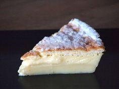 Een Magische Vanille Cake. Niet alleen super lekker, maar ook nog eens makkelijk te maken. Met slechts één beslag creëer je een cake met...