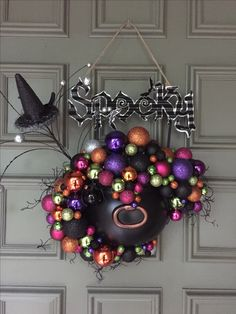 46 Most Scary Halloween Wreath Ideas – Best Hallowen Scary Halloween Wreath, Halloween Ornaments, Halloween Night, Holidays Halloween, Halloween Pumpkins, Happy Halloween, Halloween Village, Halloween Witches, Spider Decorations