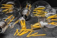 Test: LEDs im Retro-Design schlagen klassische Dekoglühlampen bei Effizienz und Preis   Im 10-Jahres Vergleich sind die Gesamtkosten der LEDs um bis zu 16 Mal geringer als bei Dekoglühlampen, zeigen die Ergebnisse von dem aktuellen topprodukte.at LED Test.